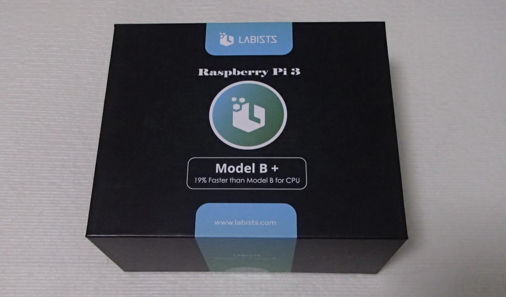 Raspberry Pi 3 Model B+のスタータキットを組み立てる!