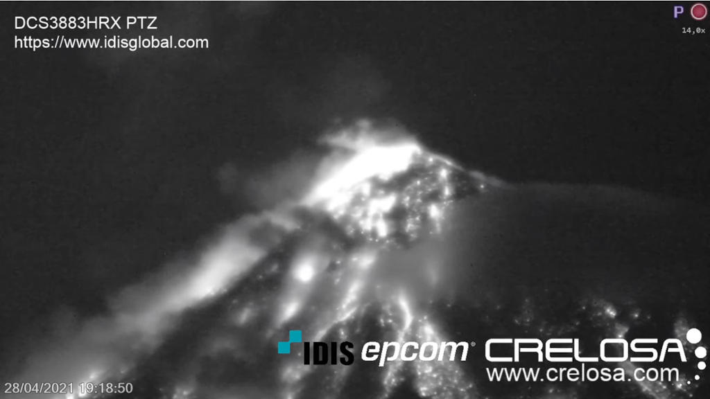 フエゴ山(グアテマラ)の噴火の様子をライブカメラで確認する!