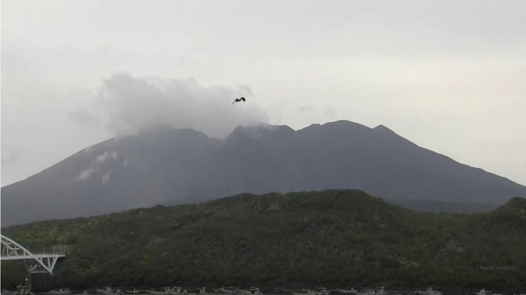 桜島の噴火の様子をライブカメラで確認する!